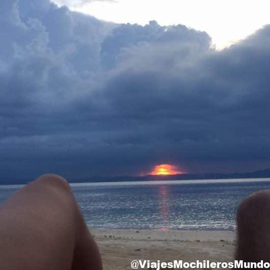 puesta de sol playa pulau kapas