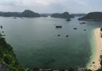 cat ba y bahia halong en vietnam