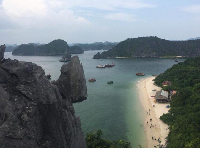 monkey island tour bahia halong vietnam