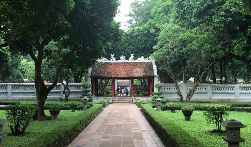templo de la literatura hanoi