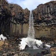 svartifoss cascada negra islandia
