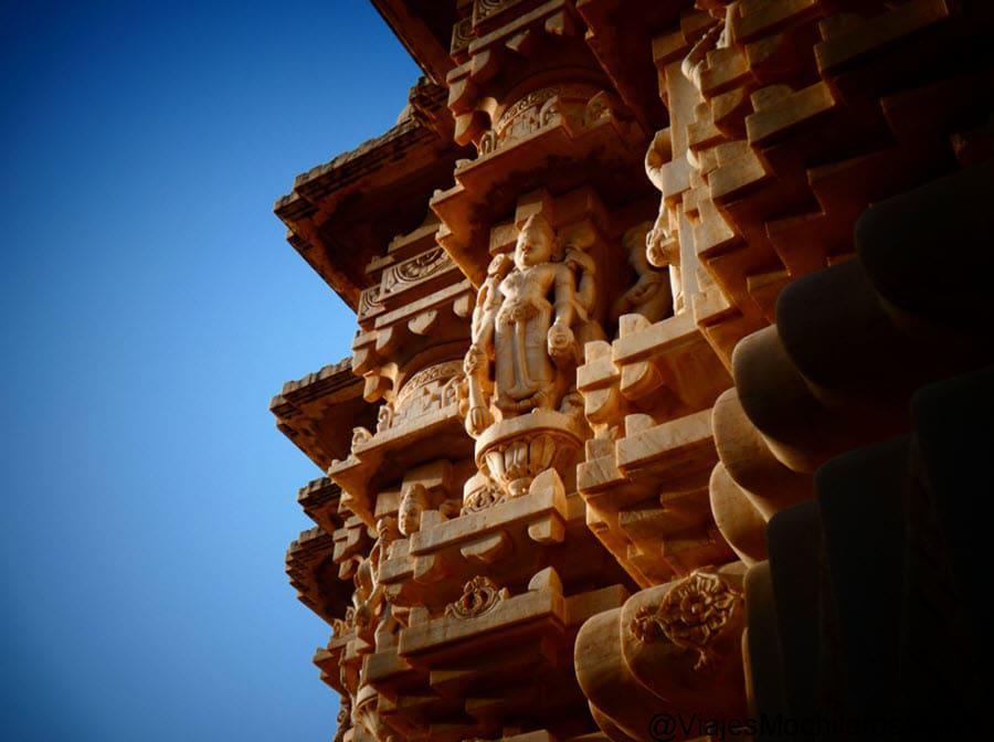 que templos visitar en udaipur