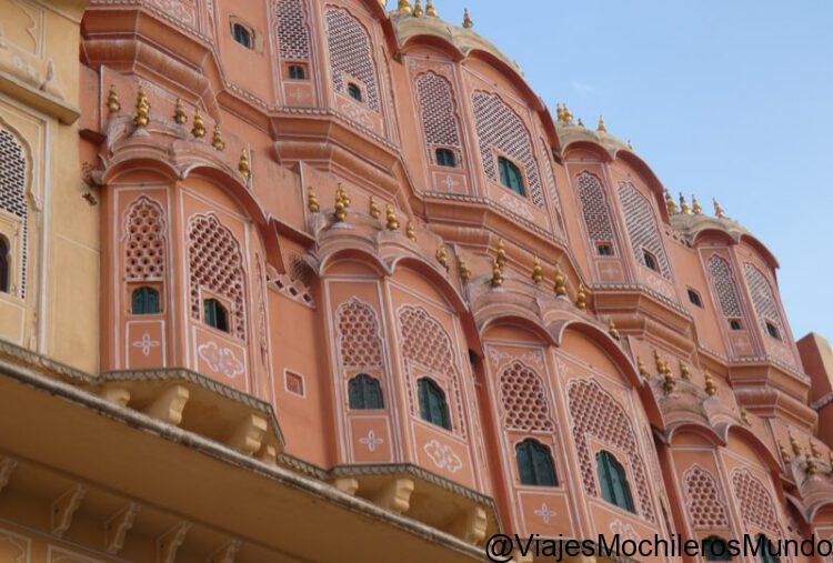 fachada del palacio de los vientos jaipur