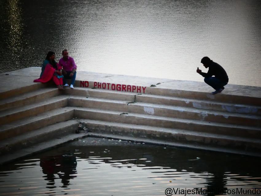 pushkar lago atardecer
